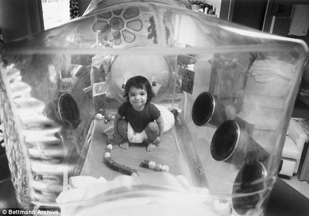 Cậu bé bong bóng: di sản của ngành y học và là phép màu đối với những cậu bé mắc bệnh SCID - Ảnh 3.