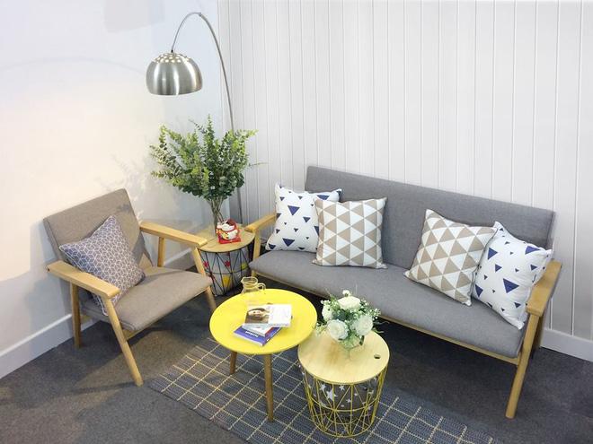 8 mẫu sofa nhỏ đẹp long lanh mà cực hợp cho nhà chật - Ảnh 2.