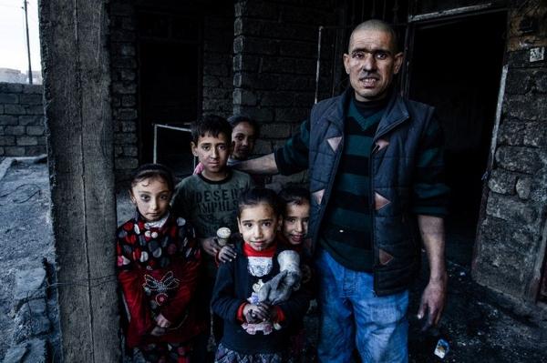 Ngày của cha: Những người cha trong cuộc chiến chống lại cái ác để bảo vệ con gái ở Iraq - Ảnh 1.