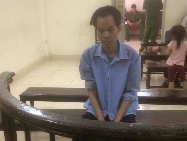 Nguyễn Văn Bằng trước vành móng ngựa. Ảnh: báo Giao Thông