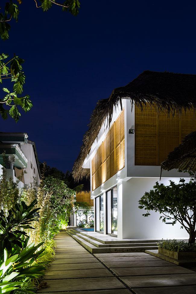 Mê mẩn với ngôi nhà vườn lợp mái lá dừa đẹp ngang khu nghỉ dưỡng cao cấp ở Trà Vinh - Ảnh 3.