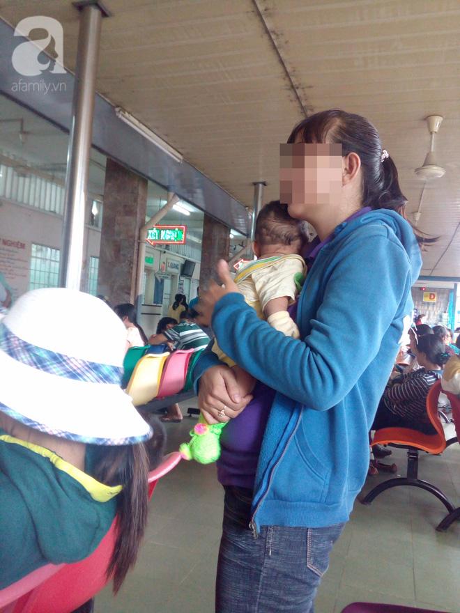 Không tiêm vaccine viêm não Nhật Bản cho trẻ, nhiều cha mẹ bất lực nhìn con bị đe dọa tính mạng - Ảnh 4.
