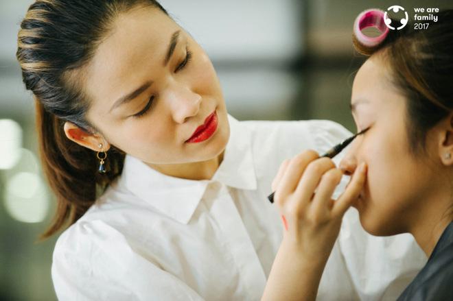 Phù thủy make up Quách Ánh: Nhiều người cứ tưởng nghề trang điểm chỉ là tô son, trát phấn lên mặt người khác... - Ảnh 2.