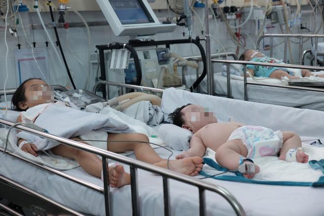 """Trưởng khoa Nhiễm – Thần kinh bệnh viện Nhi Đồng 1: """"Anti vaccine là cực kì nguy hiểm với sinh mạng của trẻ"""" - Ảnh 2."""