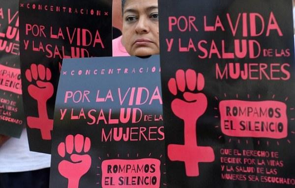 Bị hiếp dâm, cô gái nhận bản án 30 năm tù vì không giữ được tính mạng của đứa con sinh non - Ảnh 2.