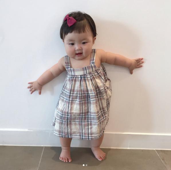 Cô nhóc người Hàn sở hữu cặp má bánh bao trong truyền thuyết siêu đáng yêu - Ảnh 2.