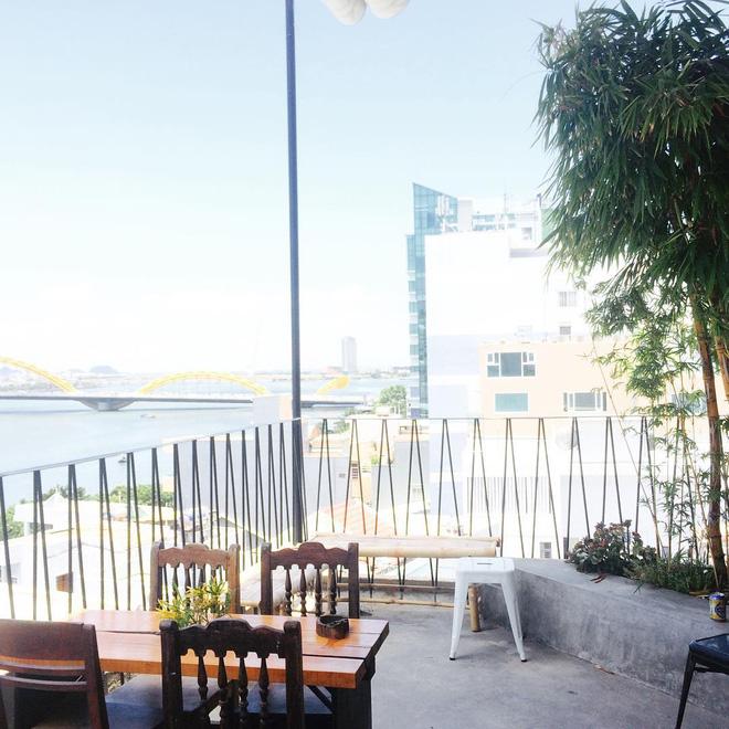 Quên khách sạn xịn đi, 4 homestay, hostel này ở Đà Nẵng đẹp chẳng kém cạnh mà giá bình dân hơn nhiều - Ảnh 21.