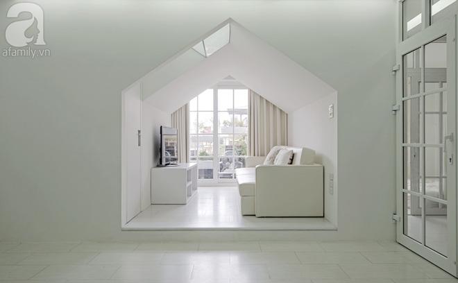 Căn hộ 65m² trắng tinh khôi ở Hà Nội do chính chàng KTS 8x thiết kế cho gia đình mình - Ảnh 8.