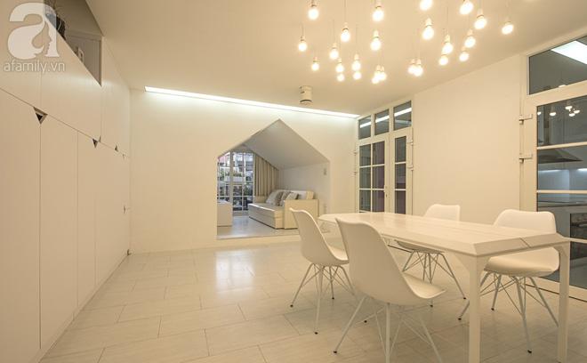 Căn hộ 65m² trắng tinh khôi ở Hà Nội do chính chàng KTS 8x thiết kế cho gia đình mình - Ảnh 19.