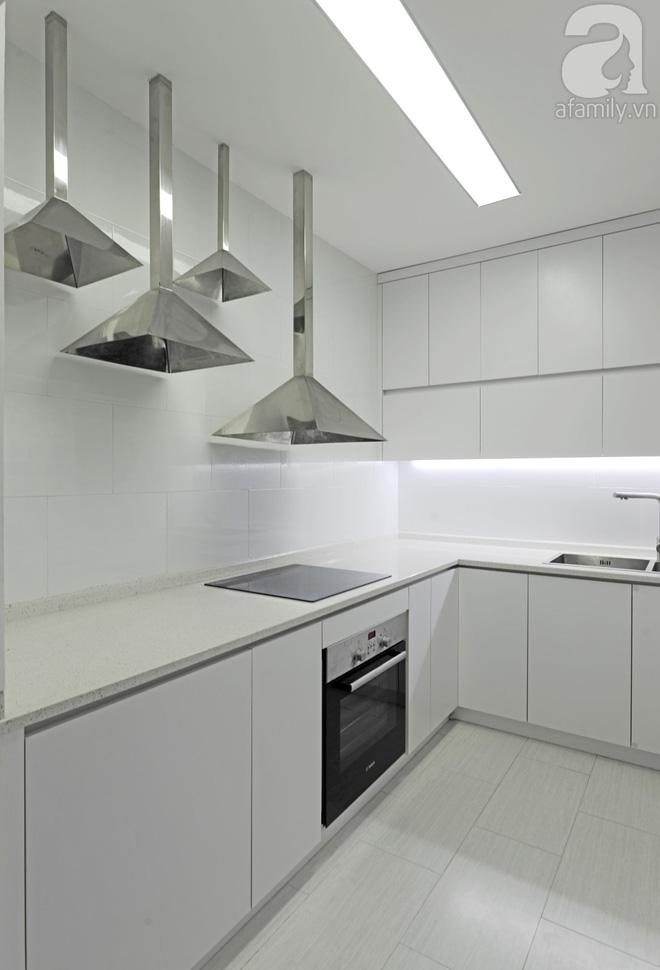 Căn hộ 65m² trắng tinh khôi ở Hà Nội do chính chàng KTS 8x thiết kế cho gia đình mình - Ảnh 16.