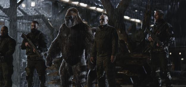 """Đại chiến hành tinh khỉ: """"Lọ muối"""" khiến bom tấn mùa hè bớt nhạt - Ảnh 2."""
