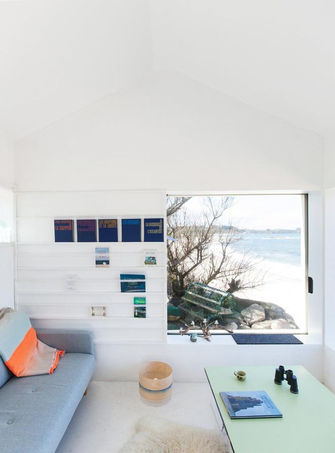 Căn nhà ven biển của chàng trai độc thân chỉ 12m² nhưng đã nhìn là mê tít bởi quá đẹp và tiện nghi - Ảnh 4.
