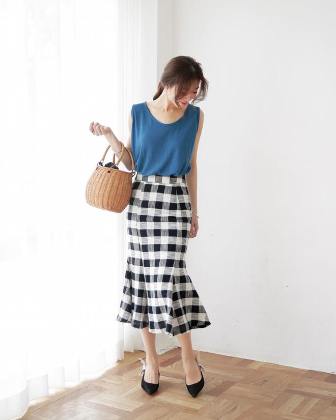 Nếu đã chán với váy ôm cơ bản, các nàng công sở hãy sắm cho mình kiểu chân váy đuôi cá - Ảnh 7.