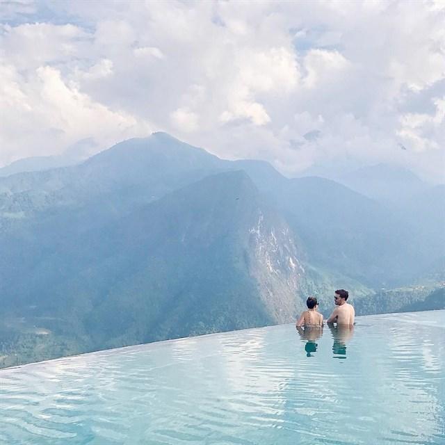 2 resort có bể bơi vô cực đẹp ngất ngây, cách Hà Nội chỉ 1 đêm đi tàu - Ảnh 9.
