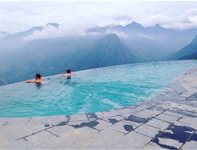 2 resort có bể bơi vô cực đẹp ngất ngây, cách Hà Nội chỉ 1 đêm đi tàu - Ảnh 8.