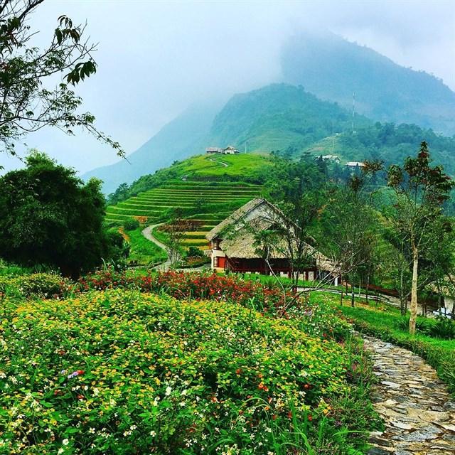 2 resort có bể bơi vô cực đẹp ngất ngây, cách Hà Nội chỉ 1 đêm đi tàu - Ảnh 3.