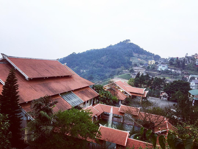 2 resort có bể bơi vô cực đẹp ngất ngây, cách Hà Nội chỉ 1 đêm đi tàu - Ảnh 10.