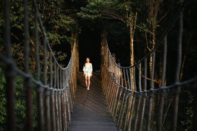 2 resort có bể bơi vô cực đẹp ngất ngây, cách Hà Nội chỉ 1 đêm đi tàu - Ảnh 13.