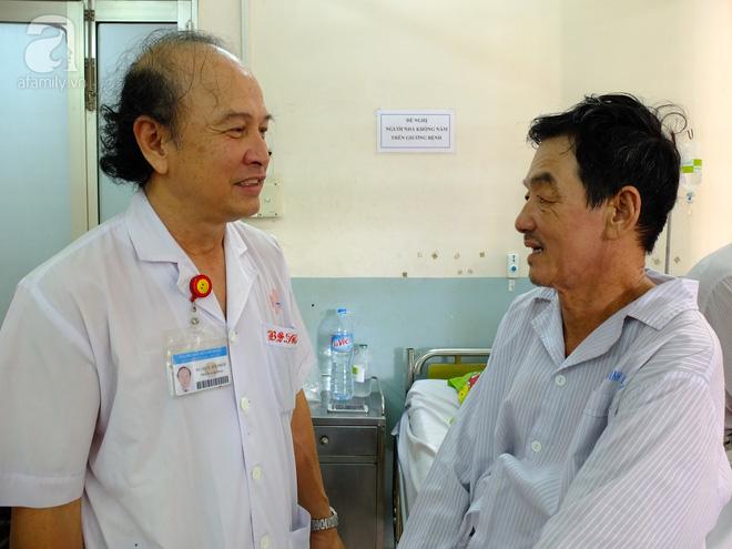 Lần đầu tiên tại Việt Nam, một bệnh nhân ung thư gan được phẫu thuật bằng robot - Ảnh 2.
