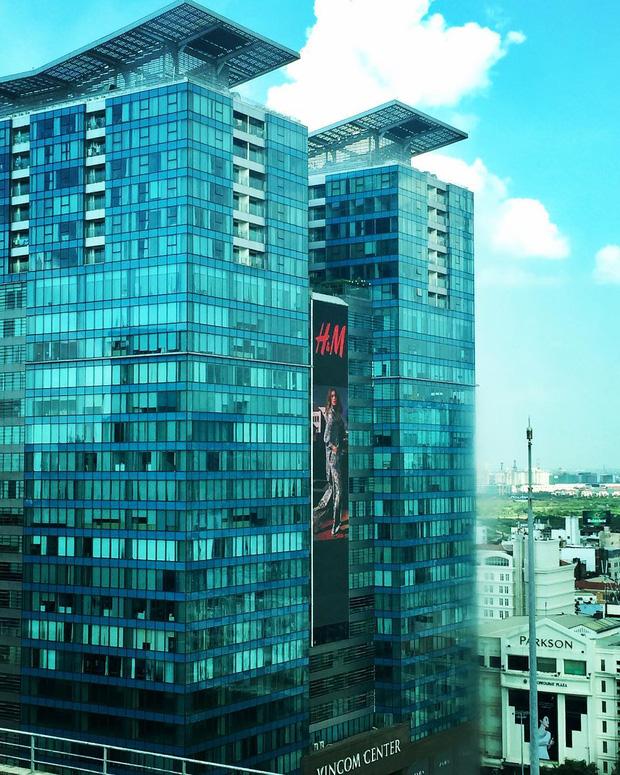 H&M Việt Nam treo biển thông báo 9/9 sẽ chính thức khai trương tại Sài Gòn - Ảnh 2.