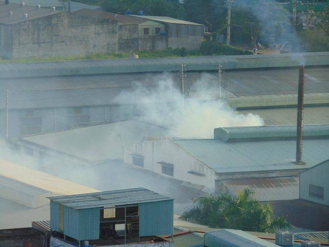 TP.HCM: Sống chung với khói bụi mù trời, 500 hộ dân chung cư quận 12 đồng loạt ký đơn kêu cứu khẩn cấp - Ảnh 4.