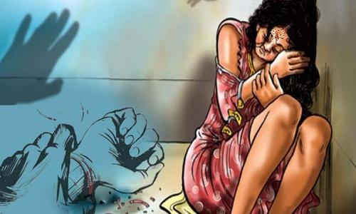 Bắt khẩn cấp đối tượng nghiện, hiếp dâm bé gái trong phòng ngủ - Ảnh 1.