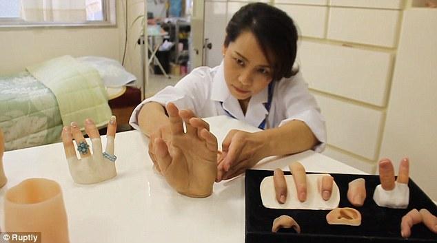 """Người phụ nữ giúp cựu mafia Nhật nối ngón tay bị chặt với phương châm làm việc """"sắt đá"""" khiến giang hồ bái phục - Ảnh 5."""