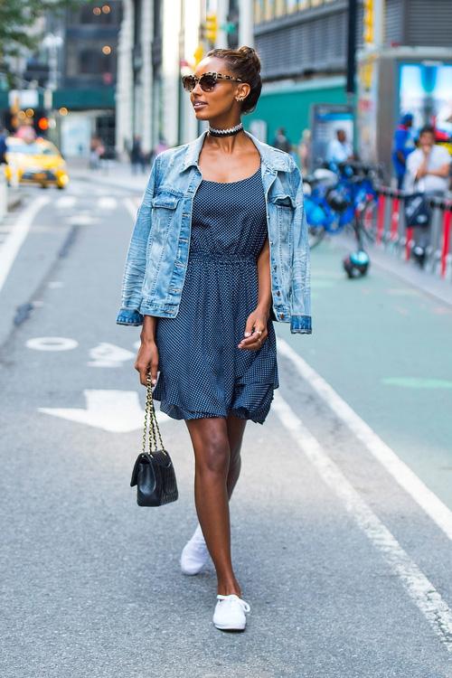 Dàn mẫu casting Victorias Secret: mặc đẹp đã đành, nhìn cơ bụng lại càng phải xuýt xoa - Ảnh 1.