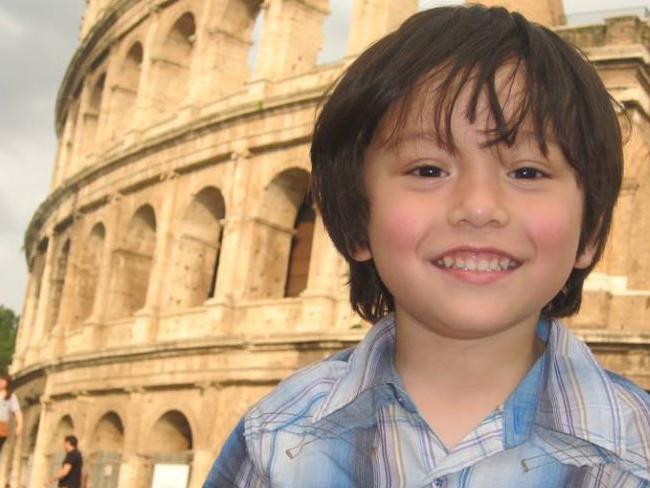 Giây phút lìa đời đầy ám ảnh của cậu bé mất tích trong vụ khủng bố Barcelona - Ảnh 1.