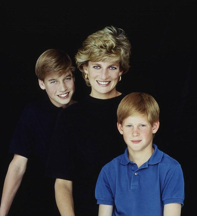 Nhà chiêm tinh riêng của Diana tiết lộ: Nhật thực che kín chòm sao của Công nương trước ngày diễn ra tai nạn - Ảnh 2.