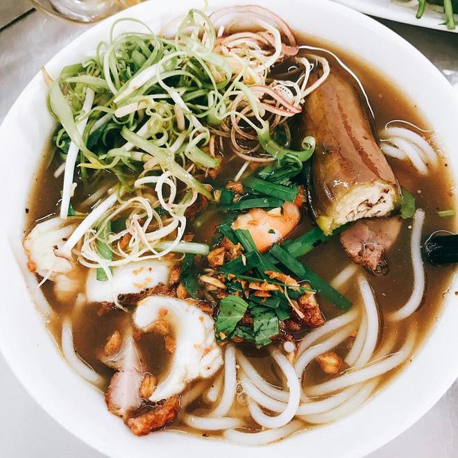 7 món bún tuy nặng mùi nhưng đã thử thì rất dễ nghiện của Việt Nam - Ảnh 10.