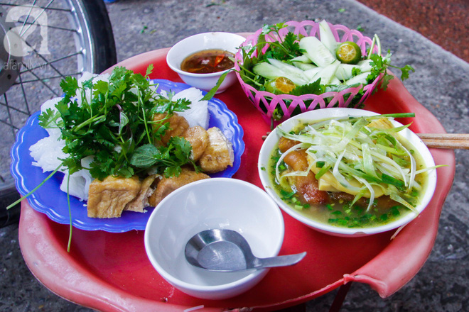 7 món bún tuy nặng mùi nhưng đã thử thì rất dễ nghiện của Việt Nam - Ảnh 1.