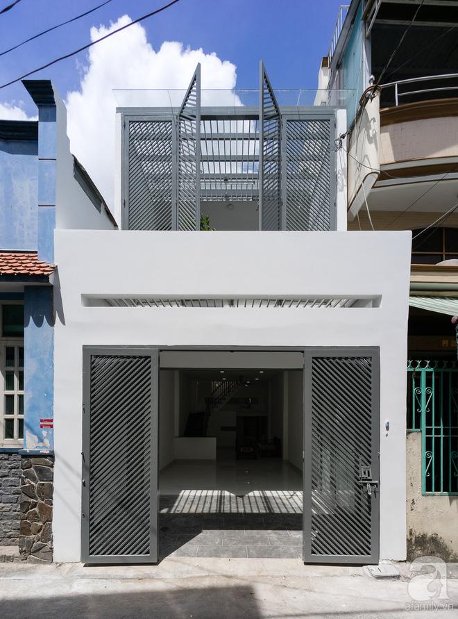 Ngôi nhà 40m² từ xuống cấp trầm trọng thành nơi nằm nghe nắng mưa lý tưởng của gia đình trẻ ở Sài Gòn - Ảnh 4.