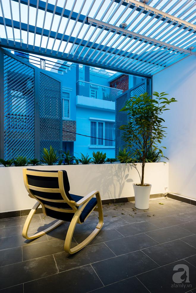 Ngôi nhà 40m² từ xuống cấp trầm trọng thành nơi nằm nghe nắng mưa lý tưởng của gia đình trẻ ở Sài Gòn - Ảnh 14.