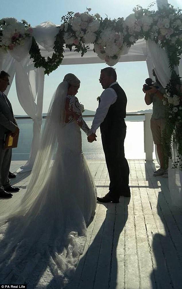 Chưa hết ngây ngất vì lời cầu hôn, người phụ nữ sốc nặng khi biết đám cưới mình sắp diễn ra trong vòng 24 giờ - Ảnh 5.