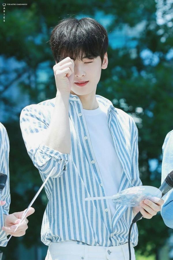 Lộ diện thần tượng đẹp trai nhất Hàn Quốc, đánh bật Lee Min Ho, Song Joong Ki - Ảnh 2.