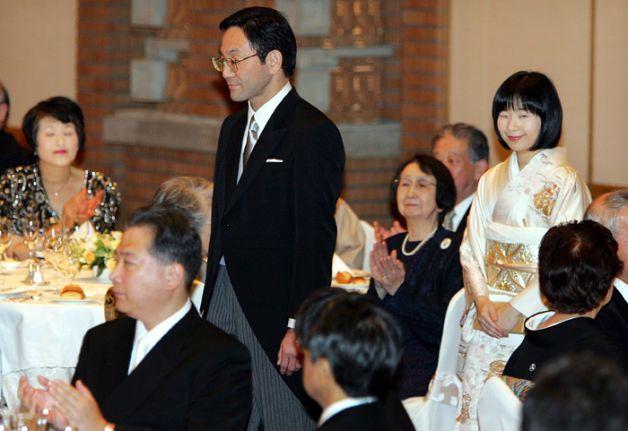 Ngôn tình hoàng gia Nhật: 3 nàng công chúa sẵn sàng từ bỏ tước vị vì tình yêu - ảnh 2