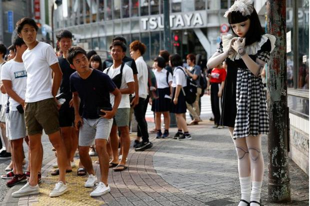 Chân dung búp bê sống tại Nhật Bản: Khi ranh giới giữa người và búp bê gần như bị xóa nhòa - ảnh 1