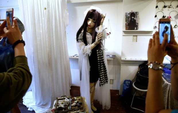 Chân dung búp bê sống tại Nhật Bản: Khi ranh giới giữa người và búp bê gần như bị xóa nhòa - ảnh 2