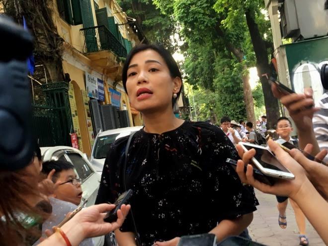 Vợ Xuân Bắc phản pháo Trang Trần: Thật đáng trách khi tôi đã cứu em khỏi bị đuổi học - Ảnh 1.