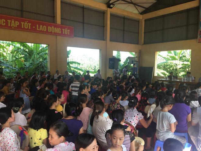 Vụ xe chở rau củ quả thối vào trường học bị bắt: Trong bữa trưa chỉ có gạo kém chất lượng - ảnh 2