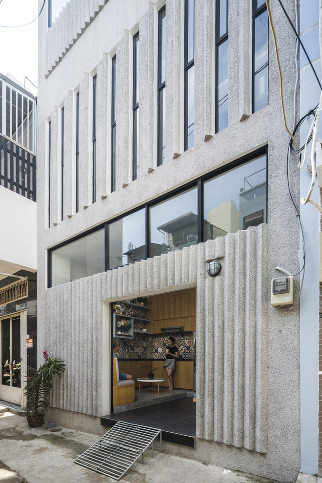 Ngôi nhà 18m² trong hẻm nhỏ vạn người mê của cặp vợ chồng trẻ ở Sài Gòn - Ảnh 4.