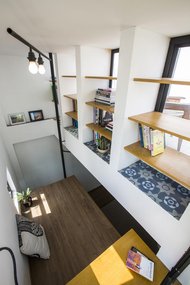Ngôi nhà 18m² trong hẻm nhỏ vạn người mê của cặp vợ chồng trẻ ở Sài Gòn - Ảnh 22.