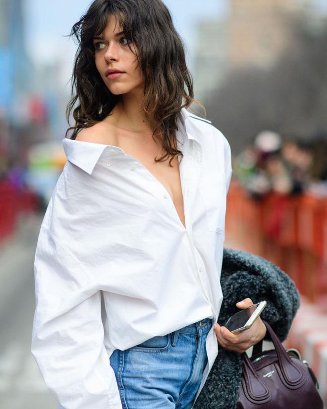 Ngại rút hầu bao mua thêm áo sơmi, thì bạn có thể tham khảo 5 cách mặc này để đổi mới - Ảnh 17.