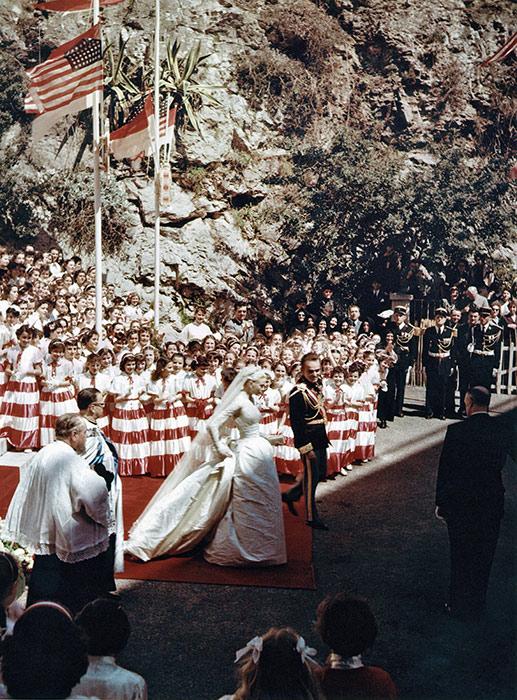 Toàn cảnh đám cưới thế kỷ vươt mặt ngày trọng đại của công nương Kate - hoàng tử William về độ xa hoa - Ảnh 11.