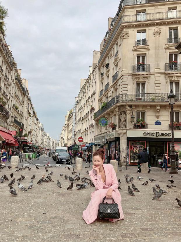 Vừa đấu khẩu chán chê với Tâm Tít xong, Maya quyết định sang ngao du Paris Fashion Week - Ảnh 1.