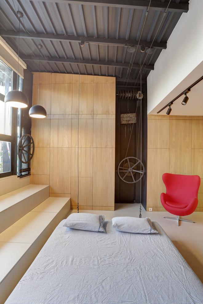 Căn hộ 45m² cực ấn tượng với giường treo và hệ tủ âm tường biến hóa khôn lường - Ảnh 8.
