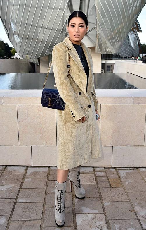 Không quá xinh cũng chẳng quá cao, công chúa Thái Lan vẫn tự tin trở thành biểu tượng thời trang nhờ vào gu mặc đẹp - Ảnh 9.