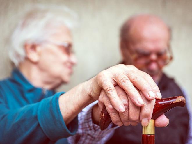 Nhóm người có nguy cơ cao mắc bệnh suy giảm trí nhớ, cần phải phòng bệnh trước 40 tuổi - Ảnh 2.
