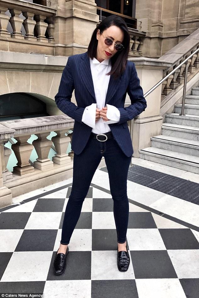 Mặc đẹp và chất thế này, chẳng ai nghĩ đồ của cô toàn bộ đều là đồ cũ có giá chưa tới 90 nghìn - Ảnh 3.